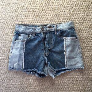 NWOT Two-tones Jean shorts!